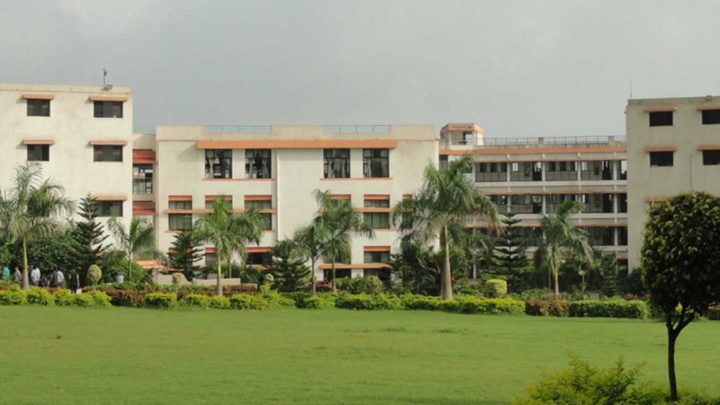 Laxmi Institute of Technology, Sarigam