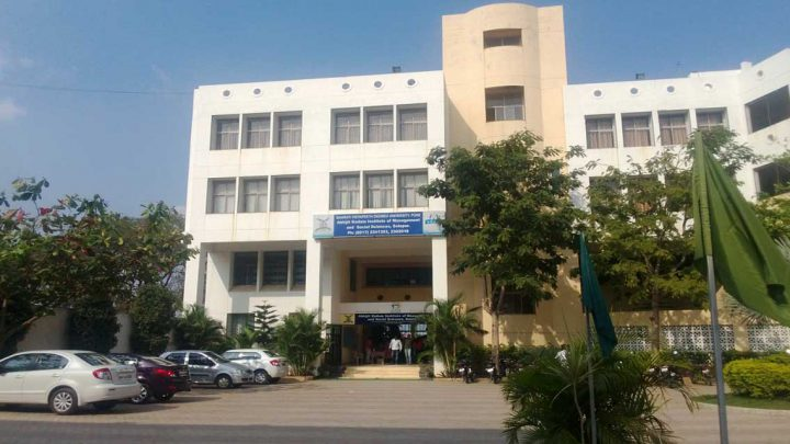 Bharati Vidyapeeth Abhijit Kadam Institute of Management and Social Sciences, Solapur