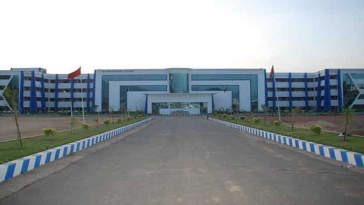 AVS Engineering College